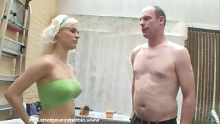 Perky tits blonde Kelly - The girl next door in amateur hardcore with cumshot