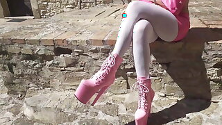 Outdoor pink outfit, wearing 8 inch platform ankle Ganymede