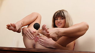 Gina Gerson Gets Busy With Pussy Cross-examine