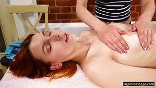 Elvira Nunah gets her sexy gut oil massaged