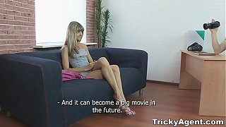 Tricky Agent - Fake blond girl Gina Gerson is hot together with to fuck teen porn