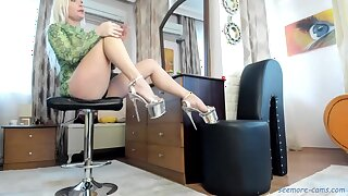 Perfect legs and heels blond hair explicit solo